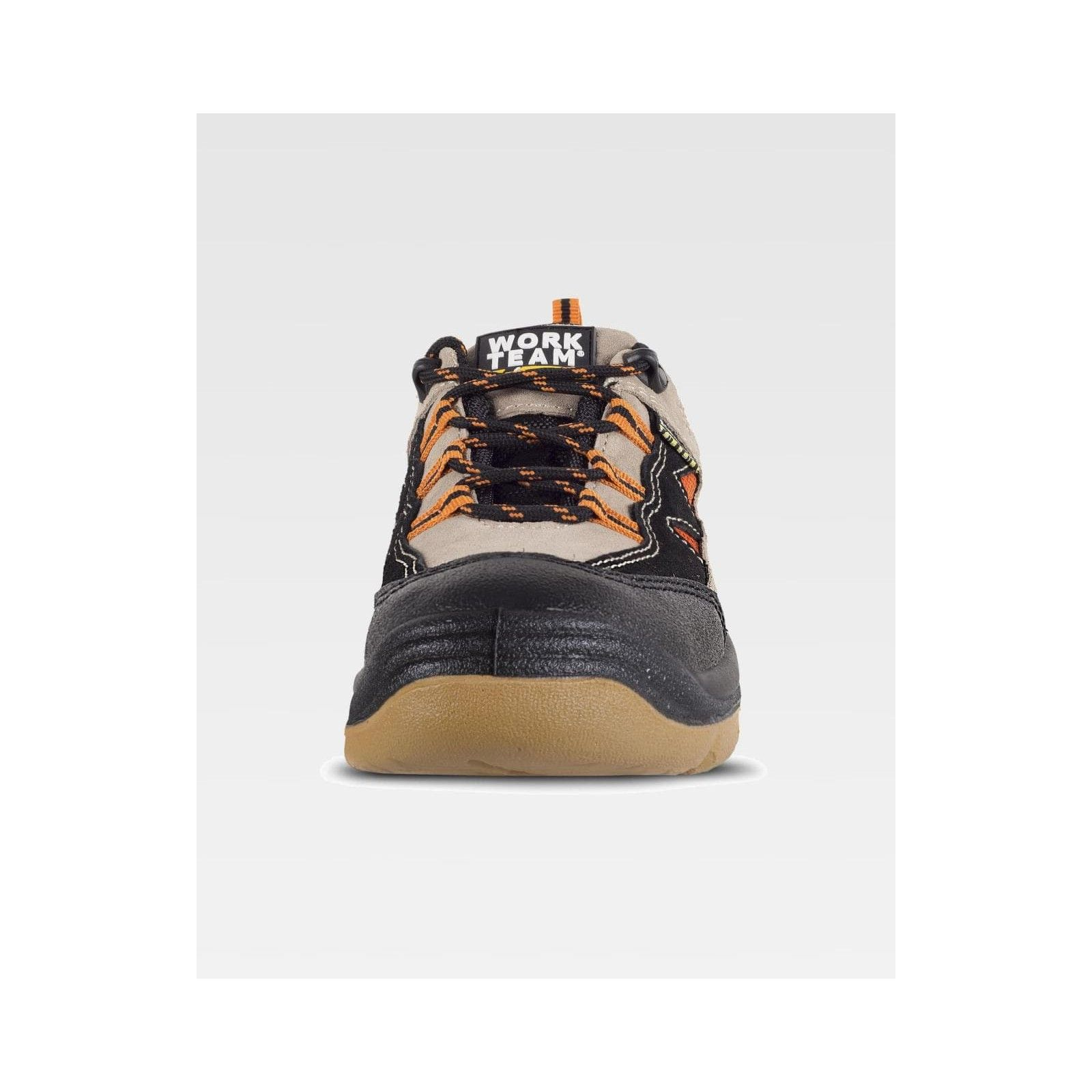 scarpa in pelle tipo trekking